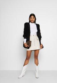 ONLY - ONLMELANIE HOOD JACKET - Winter coat - black - 1