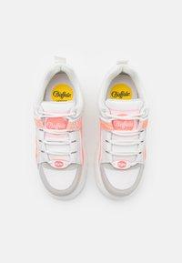 Buffalo London - Sneakers laag - white/pink - 5