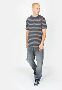 Brixton - Print T-shirt - joe blue - 1