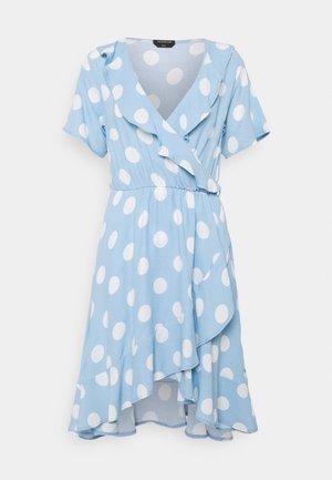 TELSI DOTS SHORTSLEEVE REAL WRAP DRESS - Day dress - blue