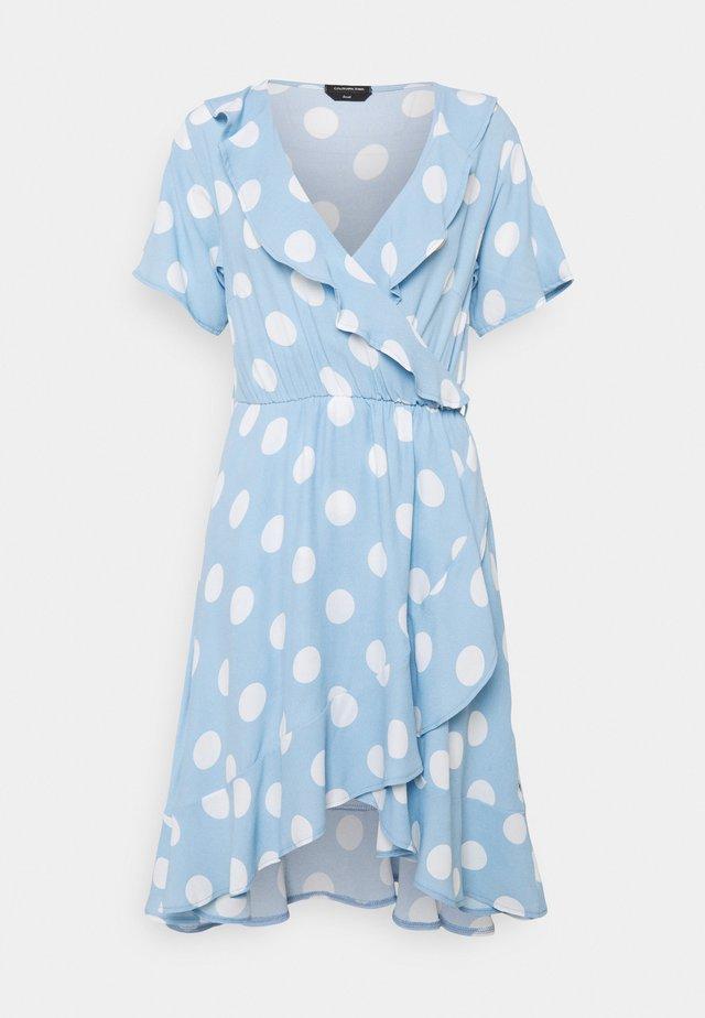 TELSI DOTS SHORTSLEEVE REAL WRAP DRESS - Kjole - blue