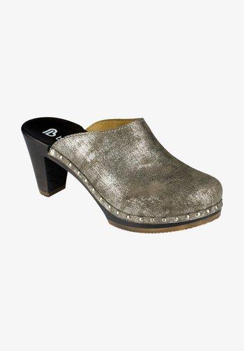 TRUDI - Clogs - beige/silver
