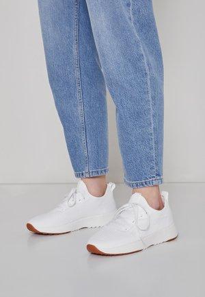 LOLETA  - Sneaker low - white