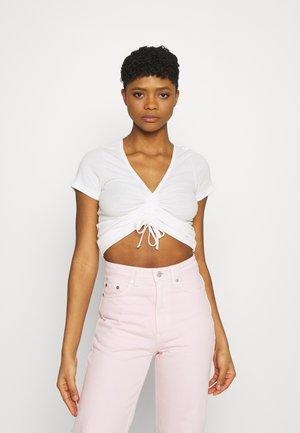 FREJA - T-shirt con stampa - off white