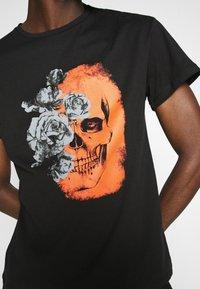 Jack & Jones PREMIUM - JPRBLAMERGE TEE CREW NECK - Print T-shirt - black - 5