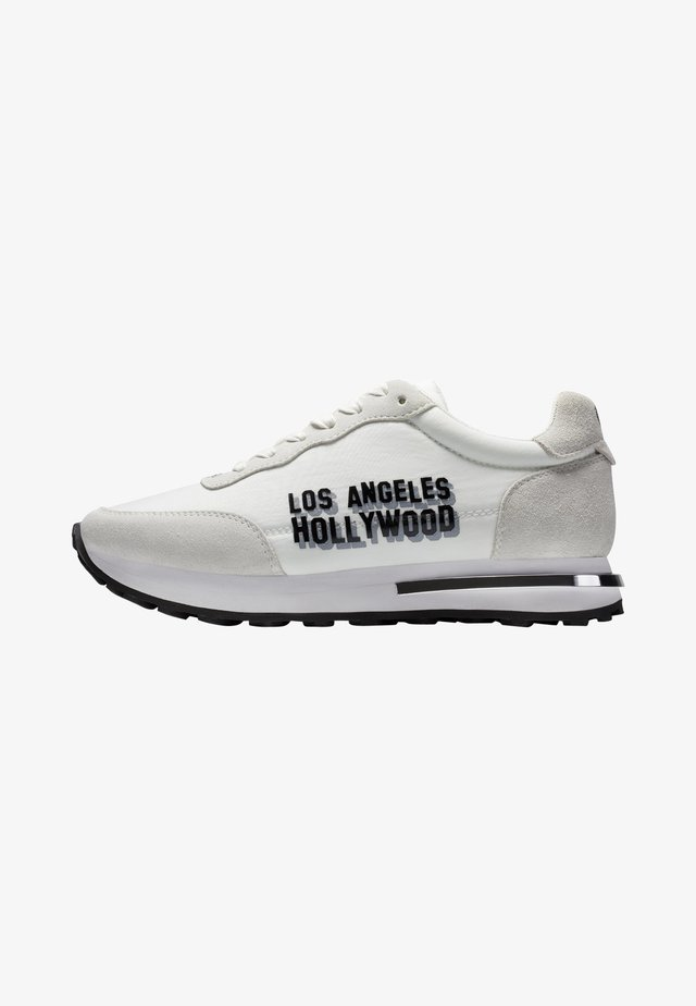 SLIVER RUNNER-LA - Baskets basses - white