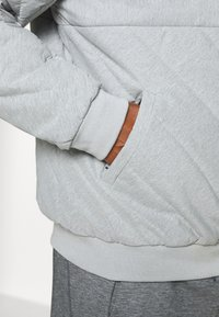 LNDR - JACKET - Training jacket - light grey marl - 3