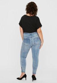 Vero Moda Curve - Jeans Skinny Fit - medium blue - 2