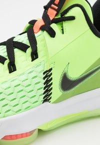 Nike Performance - LEBRON WITNESS 5 - Basketball shoes - lime glow/black/bright mango/white - 5