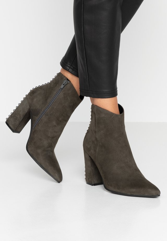 High heeled ankle boots - laponia