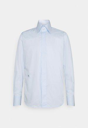 MODERN FIT - Camicia - light blue