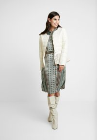 Cream - ADELLA QUILTED JACKET - Overgangsjakker - deep off white - 1