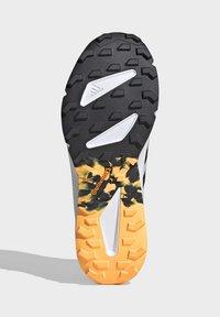 adidas Performance - TERREX SPEED LD TRAIL RUNNING SHOES - Obuwie do biegania Szlak - gold - 5