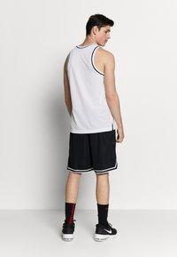 Nike Performance - DRY CLASSIC - Toppi - white/black - 2