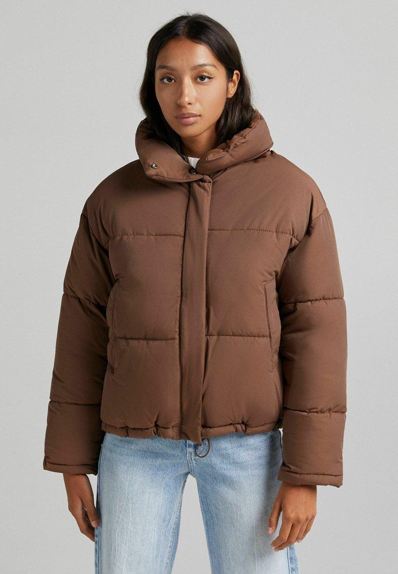Bershka - Light jacket - brown