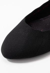 Skechers Wide Fit - CLEO - Ballet pumps - black - 2