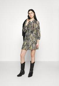 Vila - VIJEMO SKIRT - A-line skirt - birch/kallia - 1