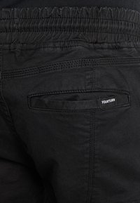 Pier One - Pantaloni cargo - black - 5