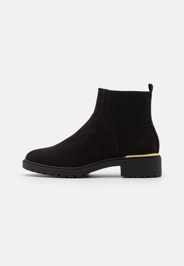 WIDE FIT DAPPER  - Classic ankle boots - black