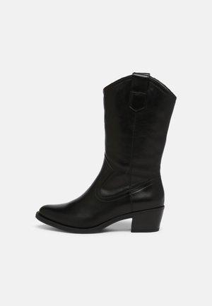 GLADIS - Kovbojské/motorkářské boty - black