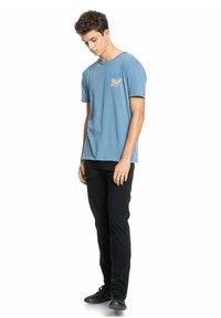 Quiksilver - ISLAND PULSE - Print T-shirt - captains blue - 1