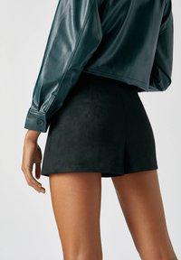 PULL&BEAR - A-line skirt - mottled black - 5