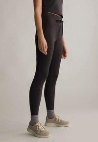 OYSHO - COMFORT - Leggings - black - 2