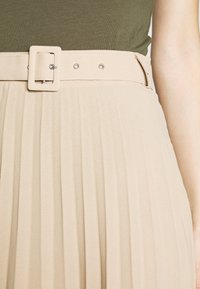 Missguided Tall - BELTED PLEATED MIDI SKIRT - A-Linien-Rock - cuban sand - 4