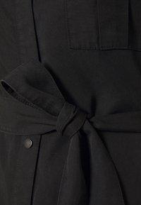 Vero Moda - VMSILJA SHORT SHIRT DRESS - Vestido vaquero - black - 2