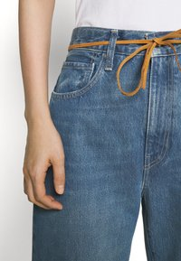 Levi's® Made & Crafted - BARREL - Relaxed fit jeans - lmc provincial blue - 3