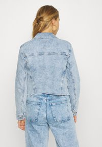 Hollister Co. - CROPPED JACKET - Denim jacket - blue denim - 2