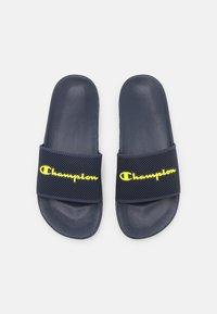 Champion - SLIDE DAYTONA - Badsandaler - navy/yellow - 3