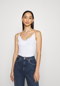 Hollister Co. - BARE CAMI 3 PACK - Top - white/grey/black - 1