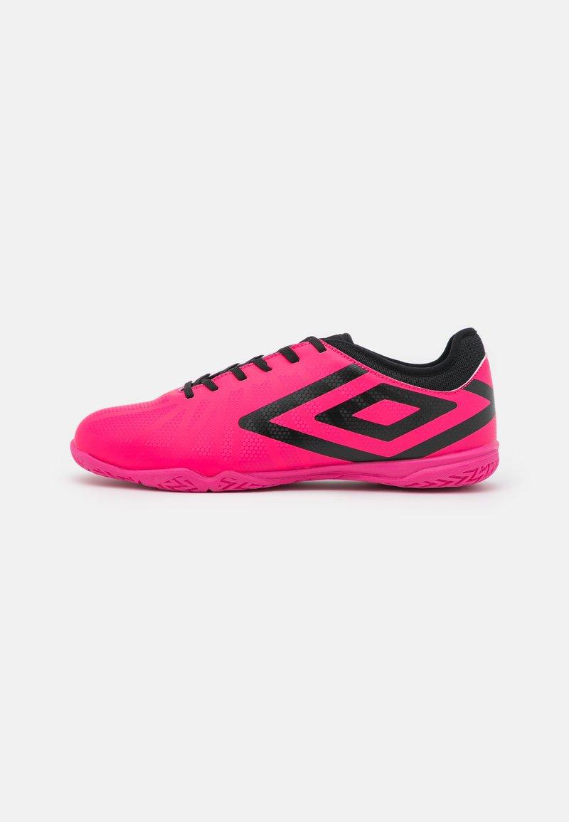 Umbro - VELOCITA VI CLUB IC - Indoor football boots - pink peacock/black/white