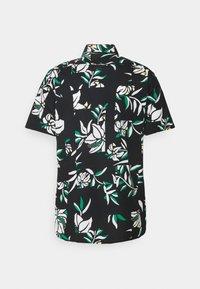 Tommy Hilfiger - PATCHWORK FLORAL PRINT - Skjorta - black/ivory/multi - 8