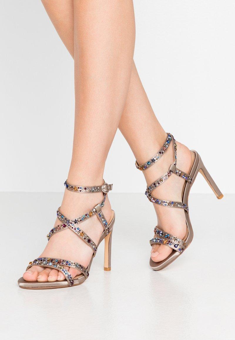 Alma en Pena - Sandaler med høye hæler - pewter