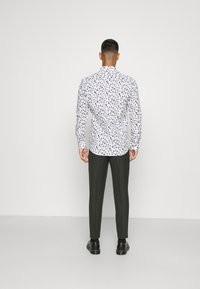 Only & Sons - ONSSANDER LIFE STRETCH - Shirt - bright white - 2