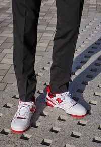 New Balance - 550 UNISEX - Sneakers basse - white/red - 2