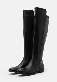 s.Oliver - Høye støvler - black - 2