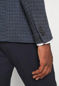 Only & Sons - ONSELIJAH CHECKCASUAL - Blazer jacket - dark navy - 4