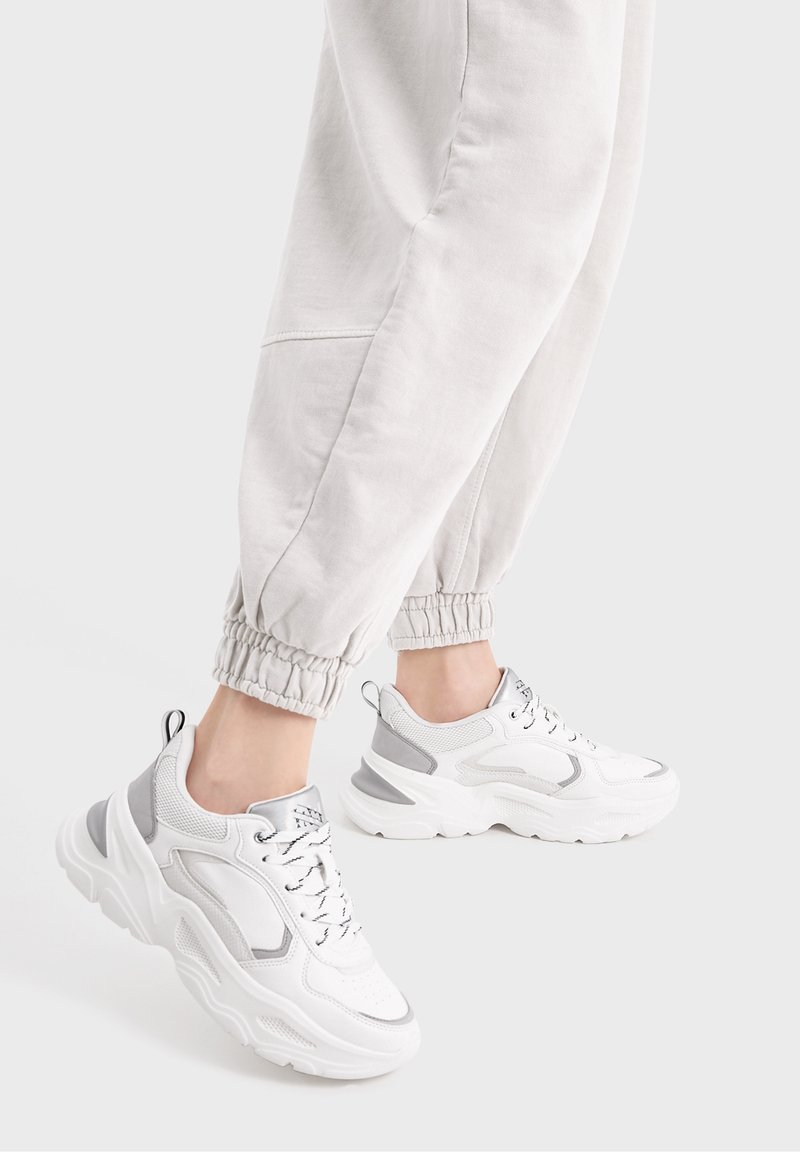 Bershka - Trainers - white