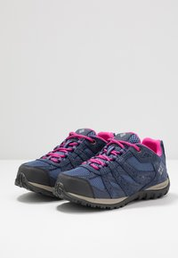 Columbia - YOUTH REDMOND WATERPROOF - Hiking shoes - bluebell - 3
