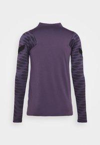 Nike Performance - Sports shirt - dark raisin/black/siren red - 8