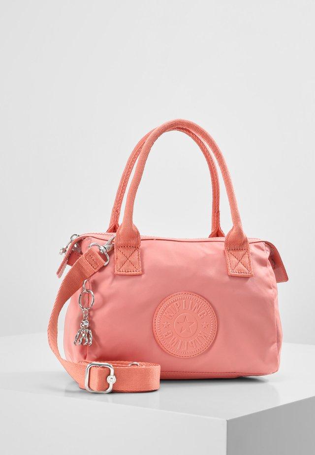 LERIA - Käsilaukku - coral pink