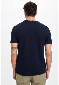 DeFacto - Basic T-shirt - indigo - 2