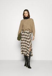Freequent - PAULA MUST - A-line skirt - beige/sand - 1