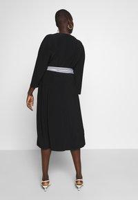Lauren Ralph Lauren Woman - BENNETT DAY DRESS - Shift dress - black - 2
