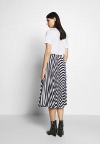 MICHAEL Michael Kors - PLEAT SKIRT - A-line skirt - white/vintage blue - 2