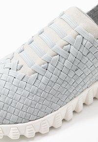 Bernie Mev - VIVALDI - Slip-ons - light grey/silver - 2