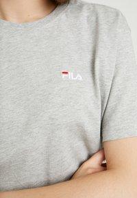 Fila - EARA TEE - T-shirts - light grey melange bros - 4